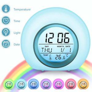 Charminer Réveil Numérique Enfant 7 Couleurs Lampe Réveil Enfant avec Calendrier et Thermomètre, Horloge Créatif Rond Réveil avec LED Veilleuse Lumière pour Enfant Bébé (Couleur)