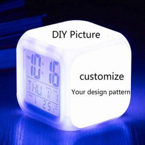 Mignon Totoro Réveil Personnaliser Image Réveil Lumière USB 7 Couleurs Changement Veilleuse LED Réveils Numériques Horloge de Bureau Étudiant avec ThermomètreA