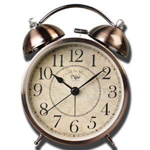 Rétro classique Horloge de bureau, Saytay Réveil très bruyant sans tic-tac, réveil de chevet avec éclairage de nuit, à piles à quartz pour chambre à coucher, salon, salle d'étude, cuisine, etc.