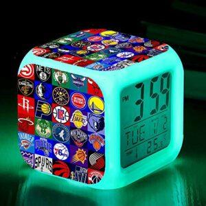 Réveils numériques pour les filles Collection de logos de basketball NBA Cube LED de nuit brillante avec enfants légers Réveillez-vous l'horloge de chevet cadeau de Noël
