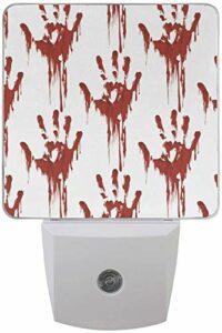 Lot de 2 veilleuses LED enfichables Halloween Effrayant Bloody Zombie Impression avec capteur Dusk to Dawn pour chambre à coucher, salle de bain, couloir, escaliers, 0,5 W, prise UK