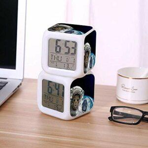 Réveil numérique pour enfants Horloge LED colorée avec thermomètre Date pour réveiller les étudiants pour enfants à la chambre à coucher cadeaux de chevet-E