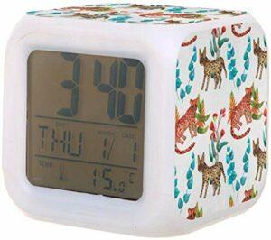 Réveil numérique pour enfants LED horloge à piles colorée avec thermomètre Date pour réveiller les étudiants pour enfants à la chambre à coucher cadeaux de chevet-C