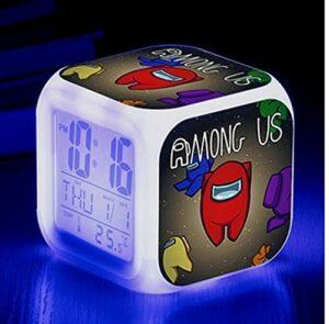 Mitrilifi Petite Horloge LED réveil Clignotant coloré réveil Maison Lampe de Table Lumineuse pour Enfants Enfants Cadeaux décoration de la Maison Ornements Vert