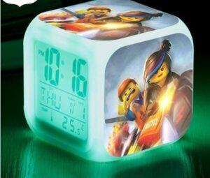 TYWFIOAV Horloge LED colorée lumineuse LED numérique réveil pour enfants